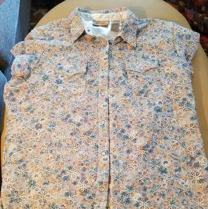 Wranglers Womens Floral cutoff collard shirt